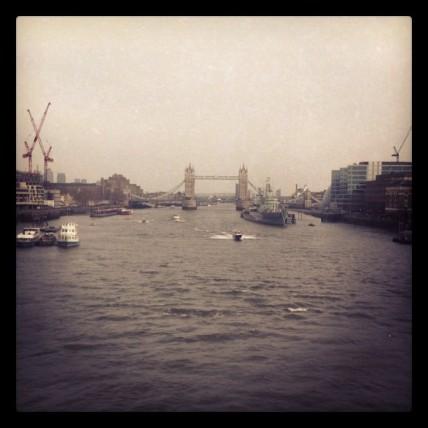 Die Tower-Bridge in Bitterkalt.Ich mag es von dort den River Walk bis nach Westminster entlang zu schlendern. Klappte am letzten Tag bei sonnigen 7°