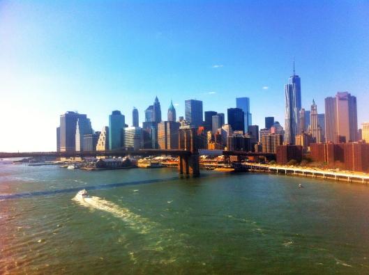 Die Manhatten Skyline von der Manhattan Bridge aus betrachtet. Macht einen sprachlos!